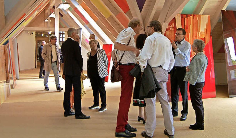 Farbige Flächen, großformatige, glänze...en die Besucher im Hans-Thoma-Museum.     Foto: Claudia Renk