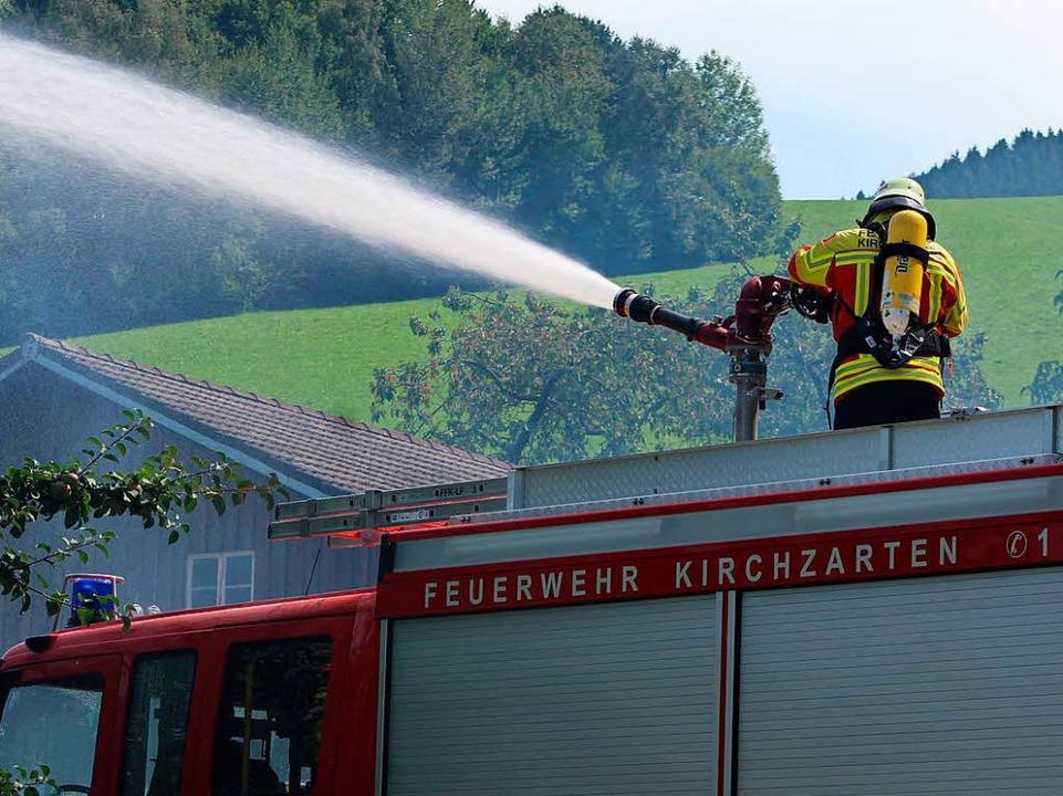 Auch Löschkanonen waren im Einsatz.  | Foto: Erich Krieger