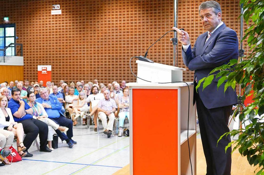 Der Außenminister stellte in Waldshut ...chtung der deutschen Außenpolitik vor.    Foto: Manuel Fritsch