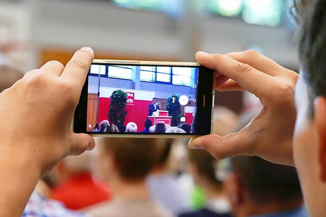 Manch einer wollte ein digitales Andenken mit nach Hause nehmen.    Foto: Manuel Fritsch