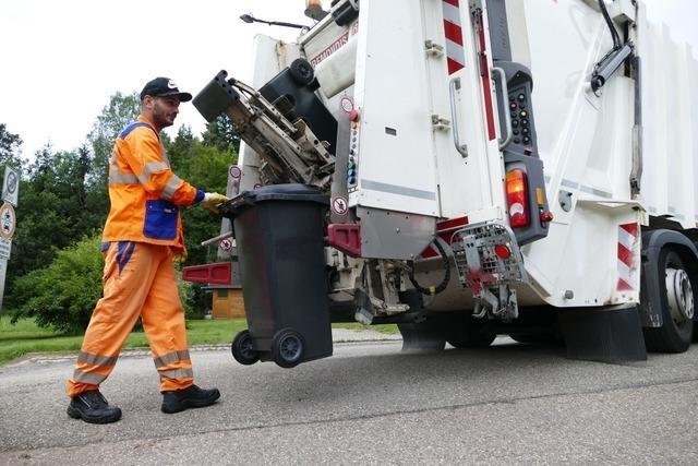 8 Uhr: Unterwegs mit den Jungs der Müllabfuhr