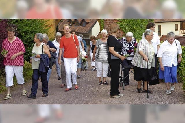 Evangelische und katholische Frauen im Schloss