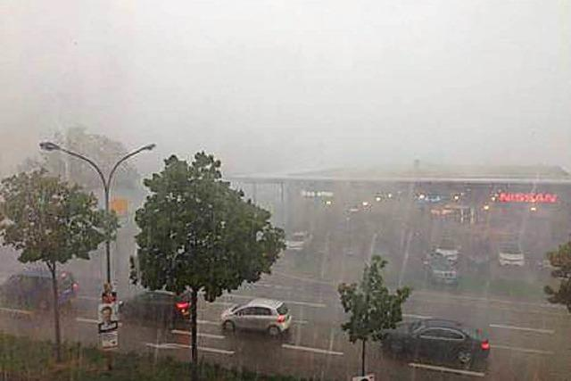 Videos: So fegte das Unwetter über Freiburg