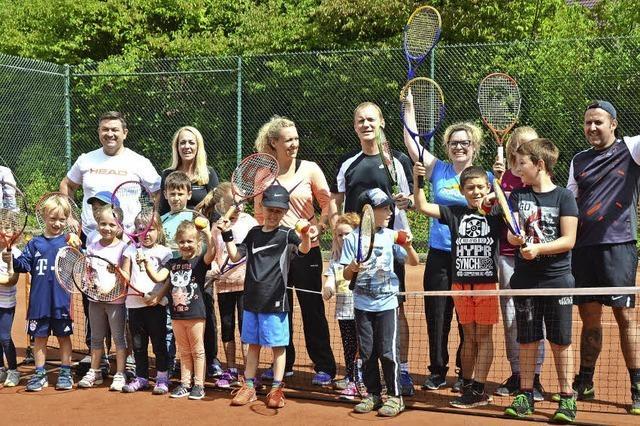 Kleine Tennisspieler