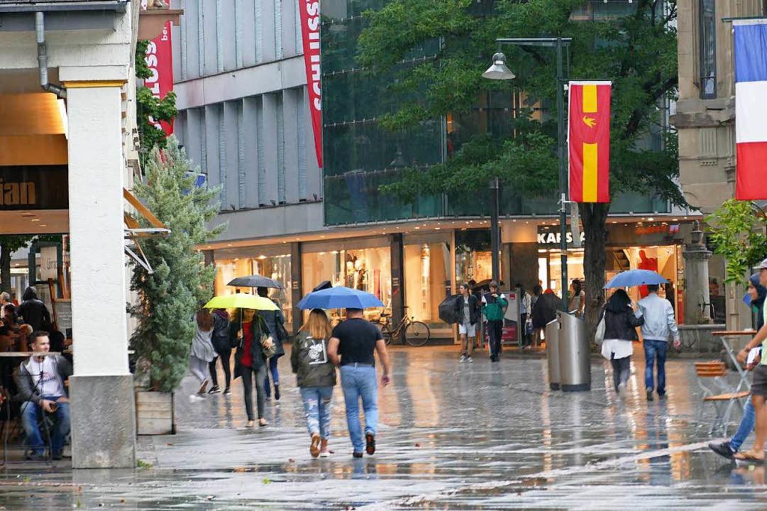 Das Gewitter zog weiter, der Regen blieb.  | Foto: Kathrin Ganter