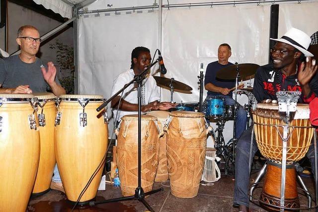 Em Bebbi sy Jazz bringt Tausende zum Tanzen