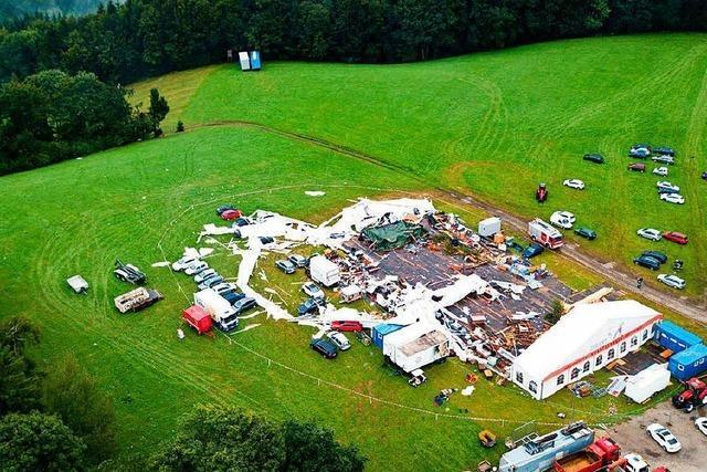 Zwei Tote und über 100 Verletzte bei Festzeltunglück in Österreich