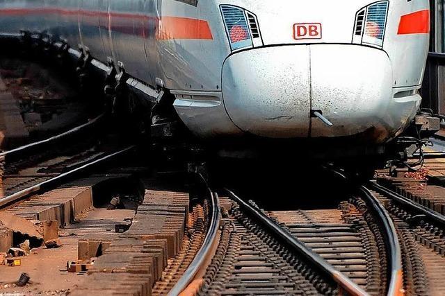 Strecke von Berlin nach Hannover und Hamburg wegen Bränden gesperrt