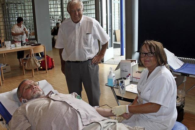 100 Blutspender bei Sommeraktion in March