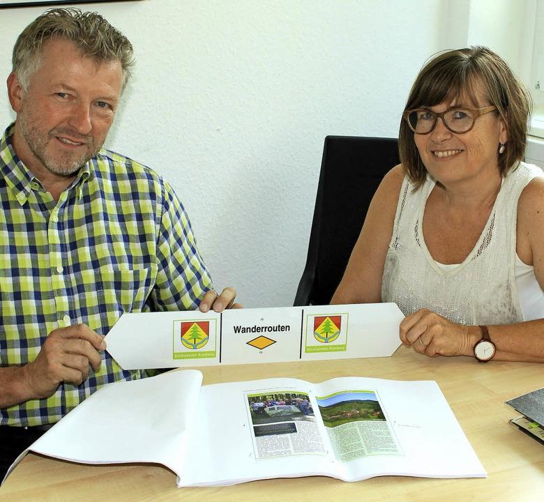 Bürgermeister Gerd Schönbett und Danie...l vor, der im Mai 2018 vorliegen soll.  | Foto: Victoria Langelott/Heiner Fabry
