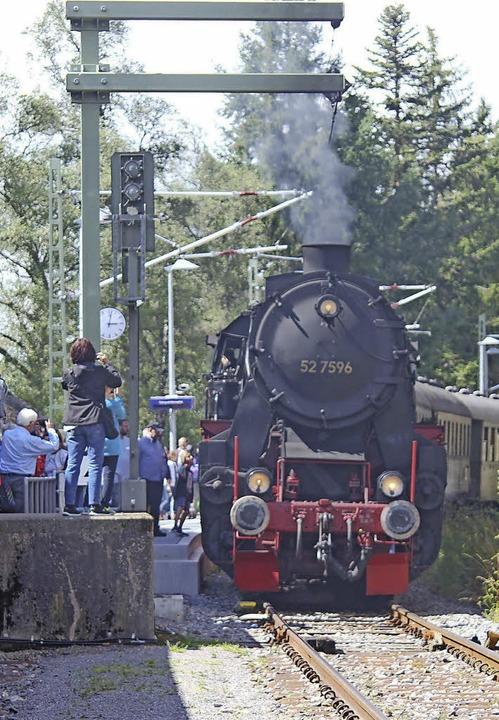 52 7596 unter Dampf    Foto: Heidrun Brichta
