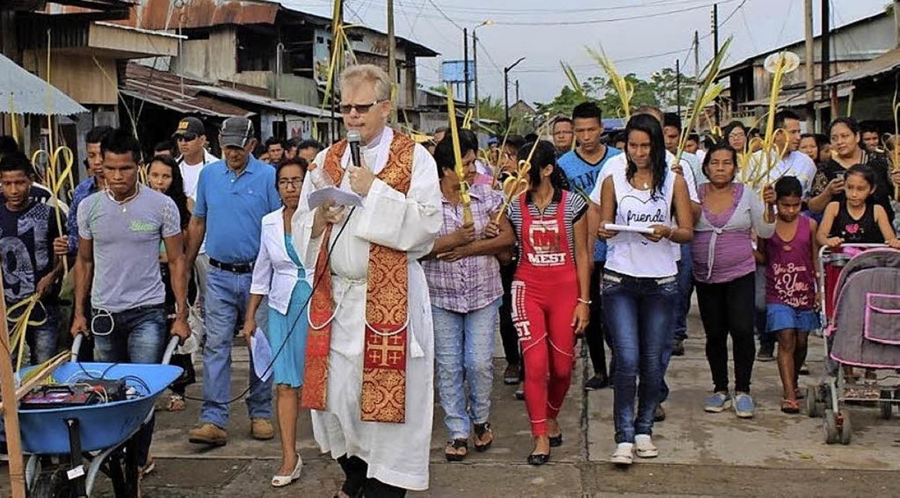 Seelsorge in Peru: Reinhold Nann, hier...zt Bischof. Heute ist Amtseinführung.     Foto: Privat