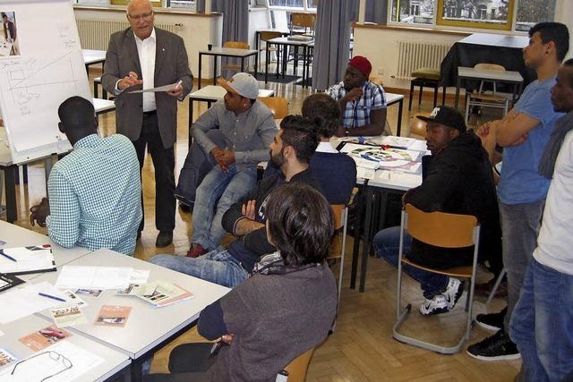 Bildungswerk der Erzdiözese verhilft erwachsenen Flüchtlingen in einem Jahr zu einer Basisqualifizierung