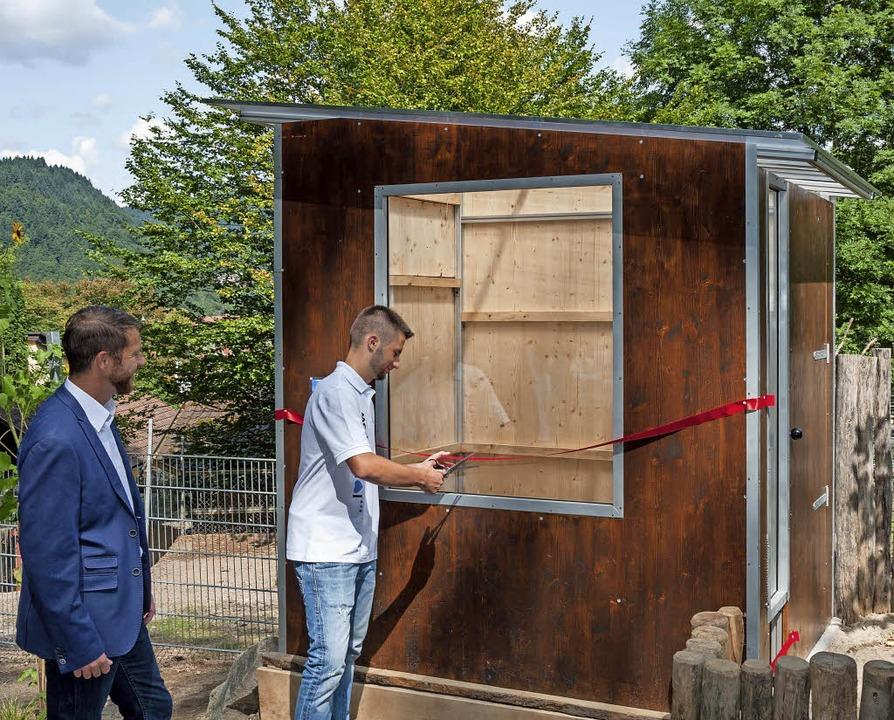 Feierlich eingeweiht wurde das schicke...s die Auszubildenden der Firma Hummel.    Foto: Helmut Rothermel