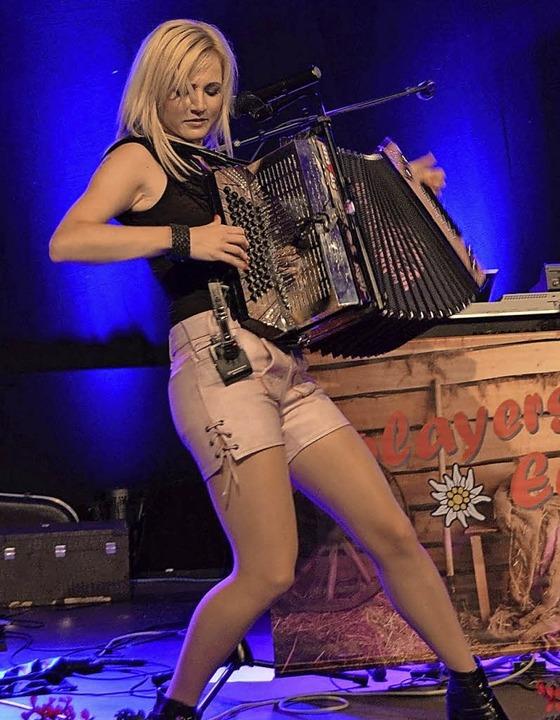 Melissa Naschenweng wird bei der Alp-C...schen Harmonika  für  Stimmung sorgen.    Foto: Thomas Güntert