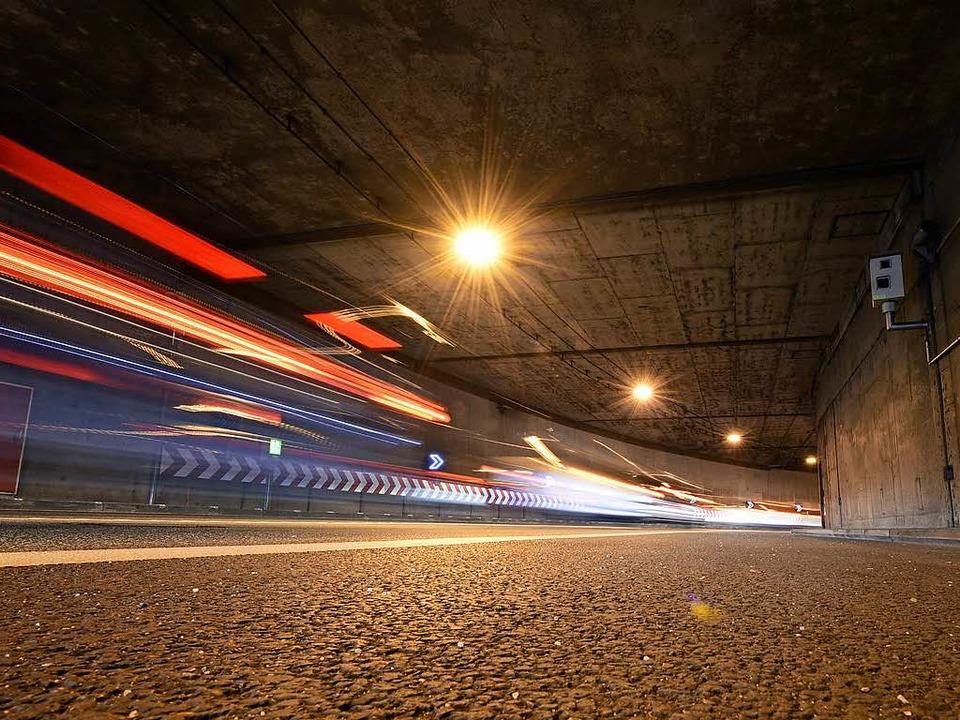 Mit  110 Sachen durch die enge S-Kurve    Foto: Thomas Kunz