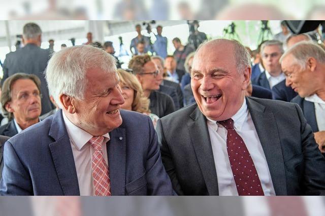 FC Bayern eröffnet neuen Campus