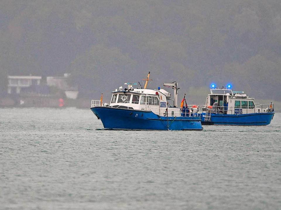 Die Suche nach Wrackteilen im Bodensee geht nach dem Flugzeugabsturz  weiter.    Foto: dpa