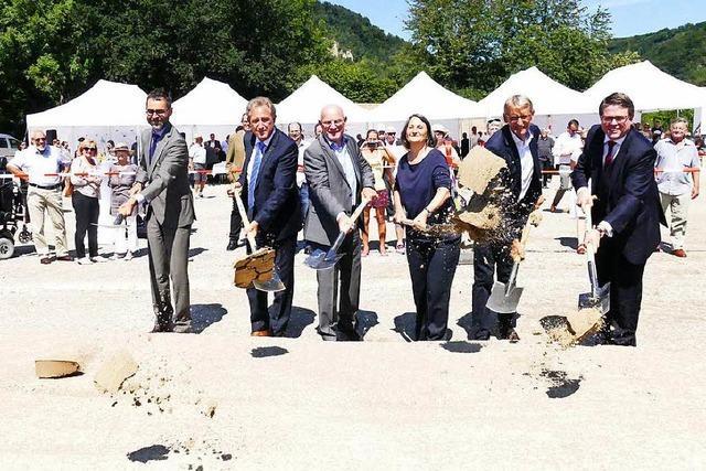 Hoher Besuch bei B34-neu-Baubeginn in Grenzach-Wyhlen