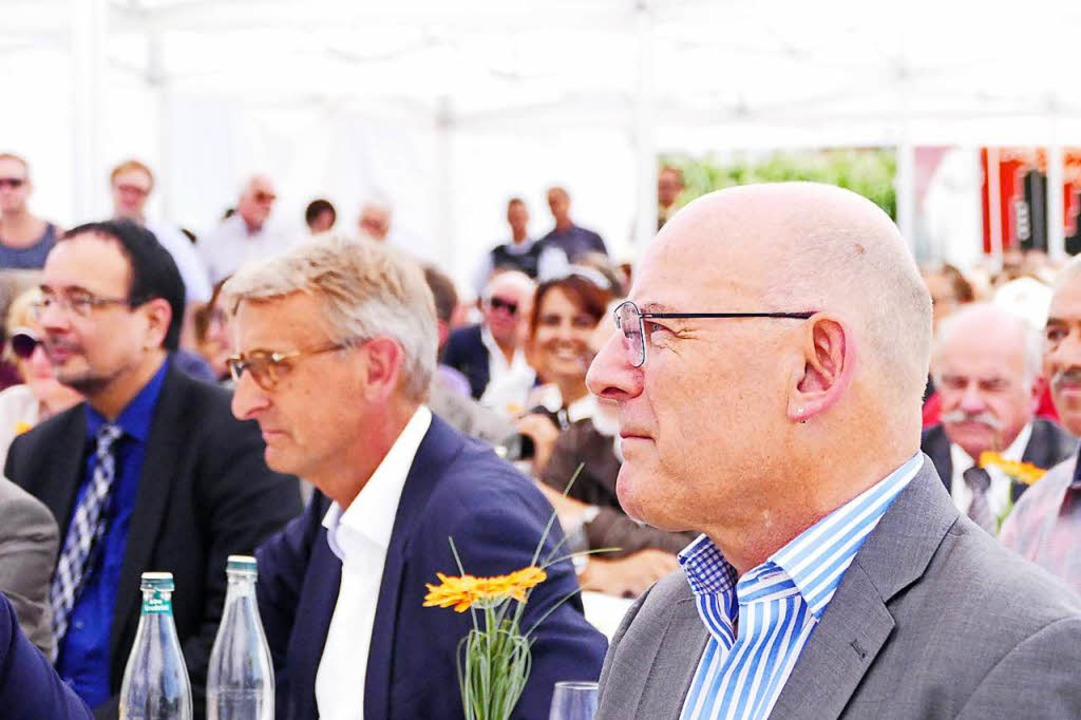 Minister Winfried Hermann (vorne) mit Armin Schuster (links)    Foto: Ralf H. Dorweiler