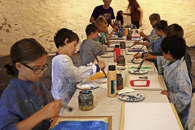 Kinder eifern Jackson Pollock nach