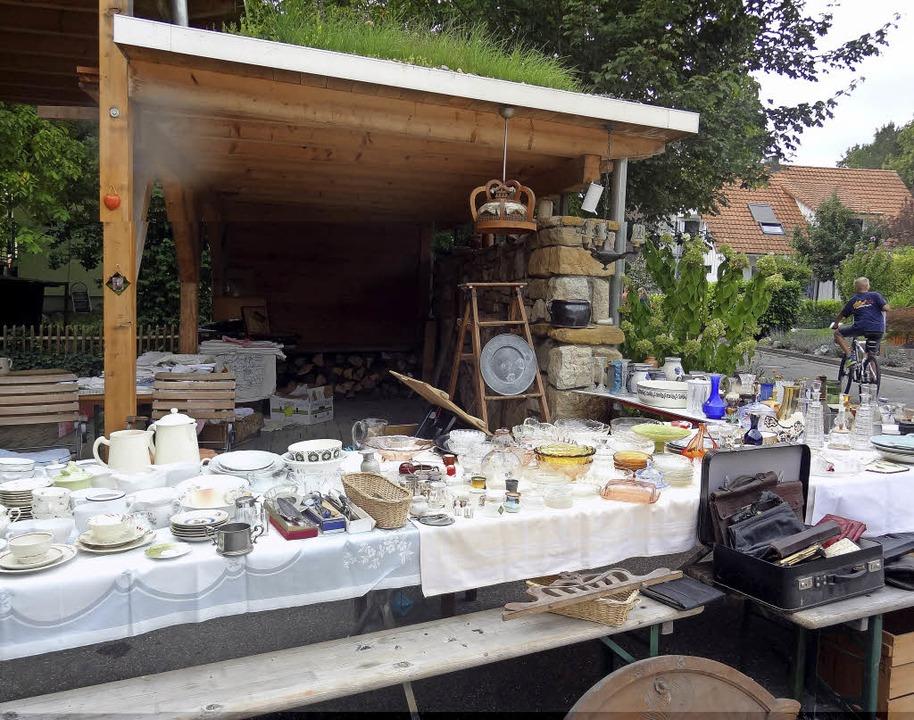 Allerhand zu bieten haben wird die ern...er  Dorfflohmarktes am  9. September.   | Foto: Astrid Moser-Oeschger