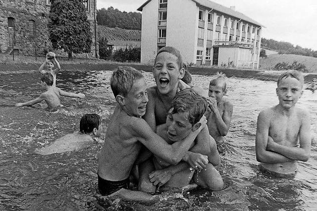 Der Löschteich wurde zum Badesee für junge Berliner