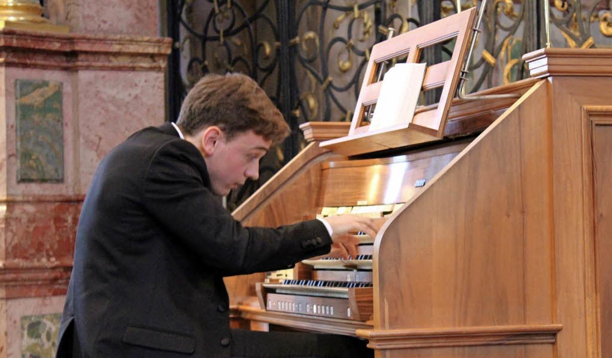 Beim Spiel von Thomas Ospital scheinen...tler und Instrument  zu verschmelzen.     Foto: Erich Krieger