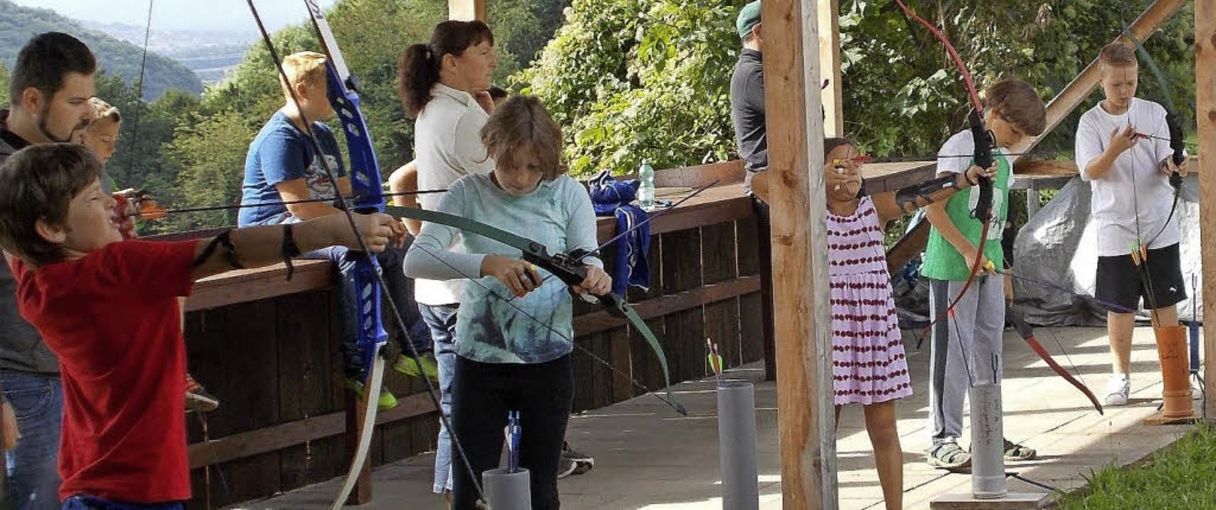 <BZ-FotoAnlauf>Kinderferienprogramm:</... hatte  zum Bogenschießen eingeladen.   | Foto: privat