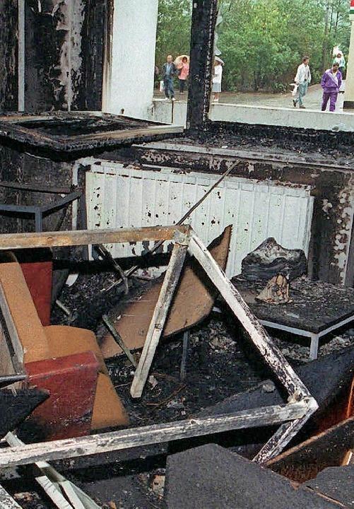 Das ausgebrannte Wohnheim    Foto: DPA