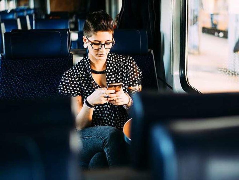 Ein Smartphone reicht heute für die Partnersuche.    Foto: berc - Fotolia