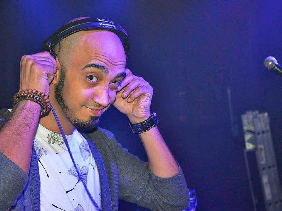 DJ Kosnius bei einer Party im März  | Foto: SchwulesDance