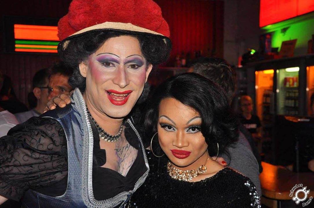 Auch Drag Queens kommen gern: Betty BBQ (links) und Arya Angelic.  | Foto: SchwulesDance