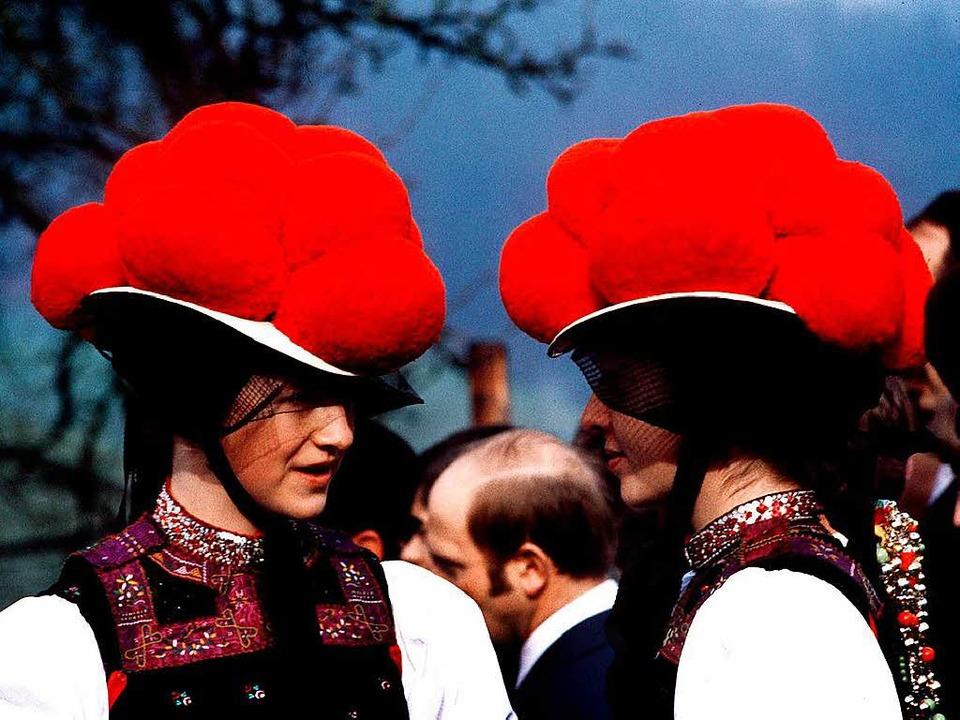 """Am Klischee kommt das """"Schwarzwa...gab's übrigens keine Bollenhüte.    Foto: dpa"""