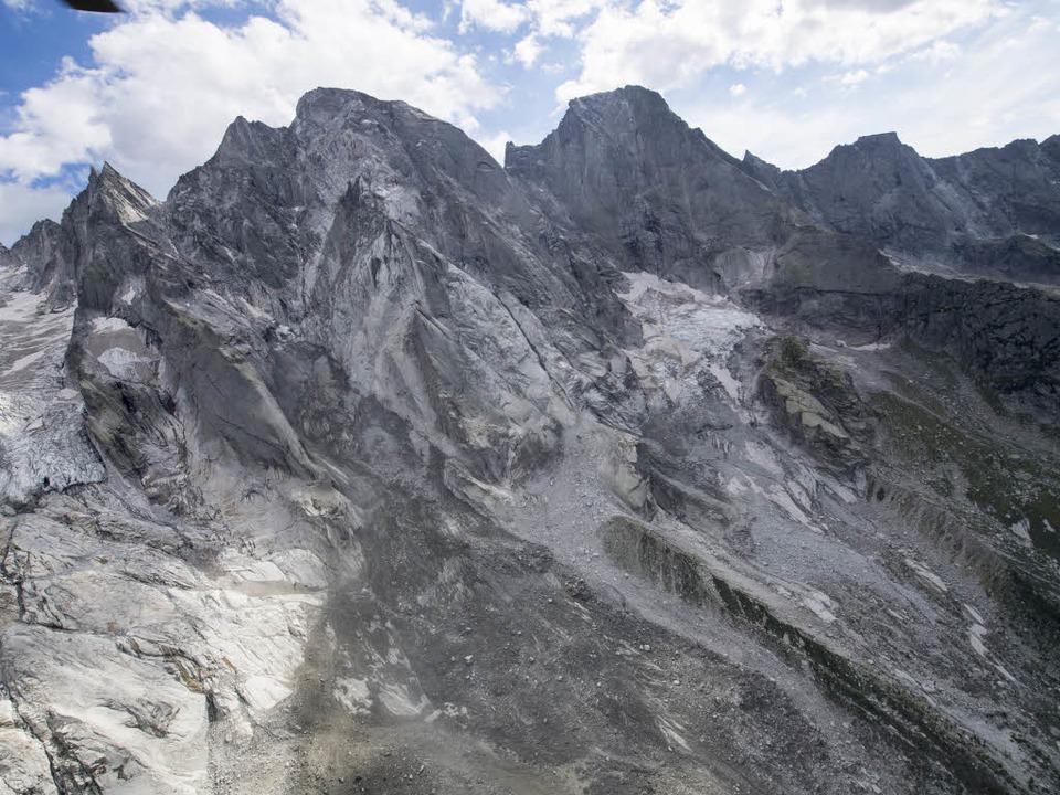 Am 3369 Meter hohen Piz Cengalo ist eine Gesteinslawine abgegangen.    Foto: dpa