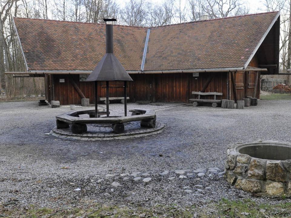 Die große Grillhütte am Opfinger See i...rd vom städtischen Forstamt vermietet.  | Foto: Ingo Schneider