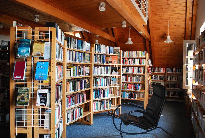 Wer zählt die Bücher<ppp></ppp>  | Foto: Sylvia-Karina Jahn