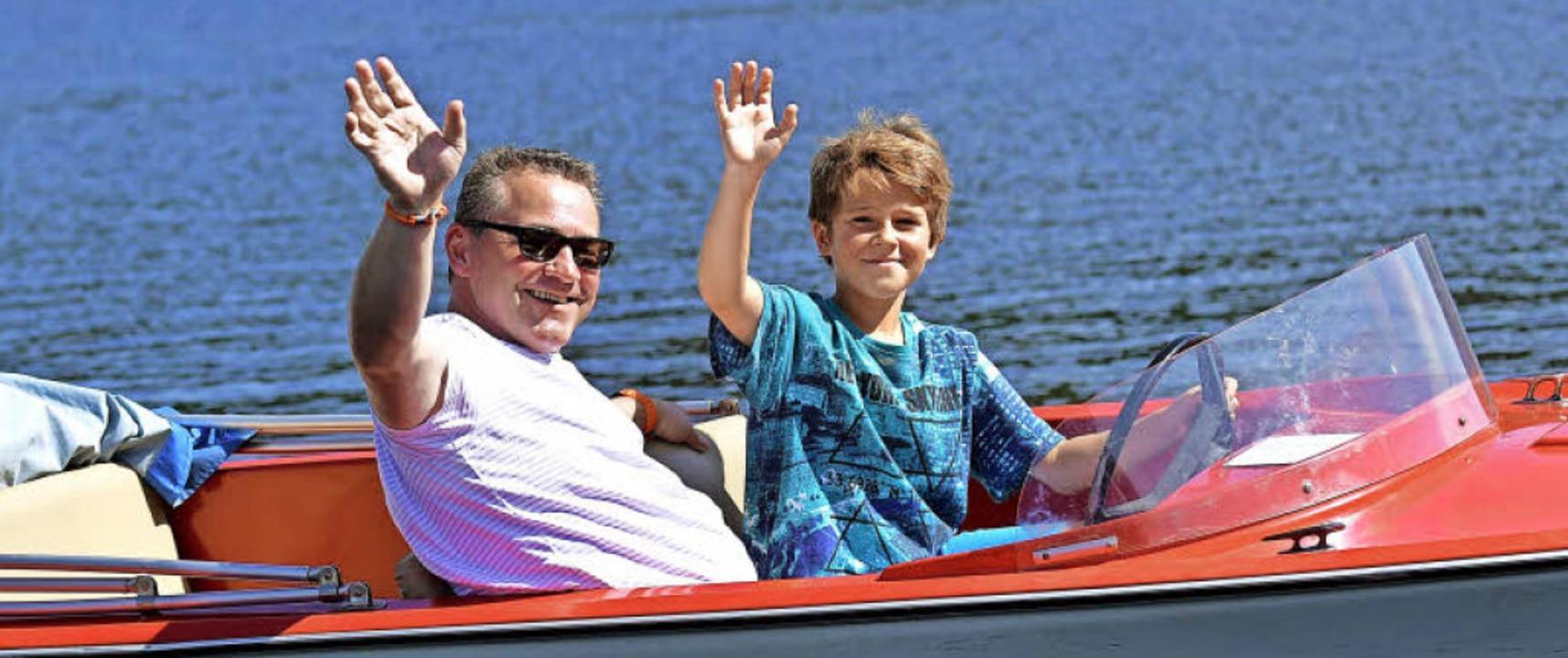 Wenn der Vater mit dem Sohne –  Urlaubskapitäne auf dem Schluchsee   | Foto: Wolfgang Scheu