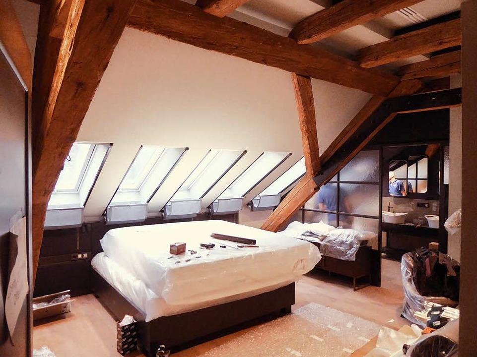 In den Suiten und Zimmern laufen die l...ngen. Von Knastflair keine Spur mehr.   | Foto: H. Seller