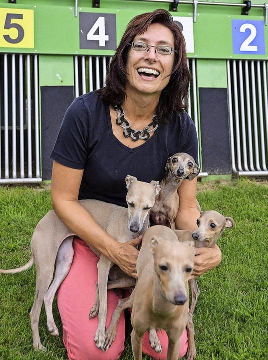 Sonja Kuhlmann und ihre vier italienischen Windspiele   | Foto: Anika Maldacker