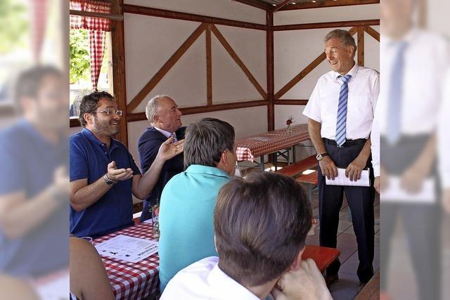 Wahlkampf in der Weinfestbude