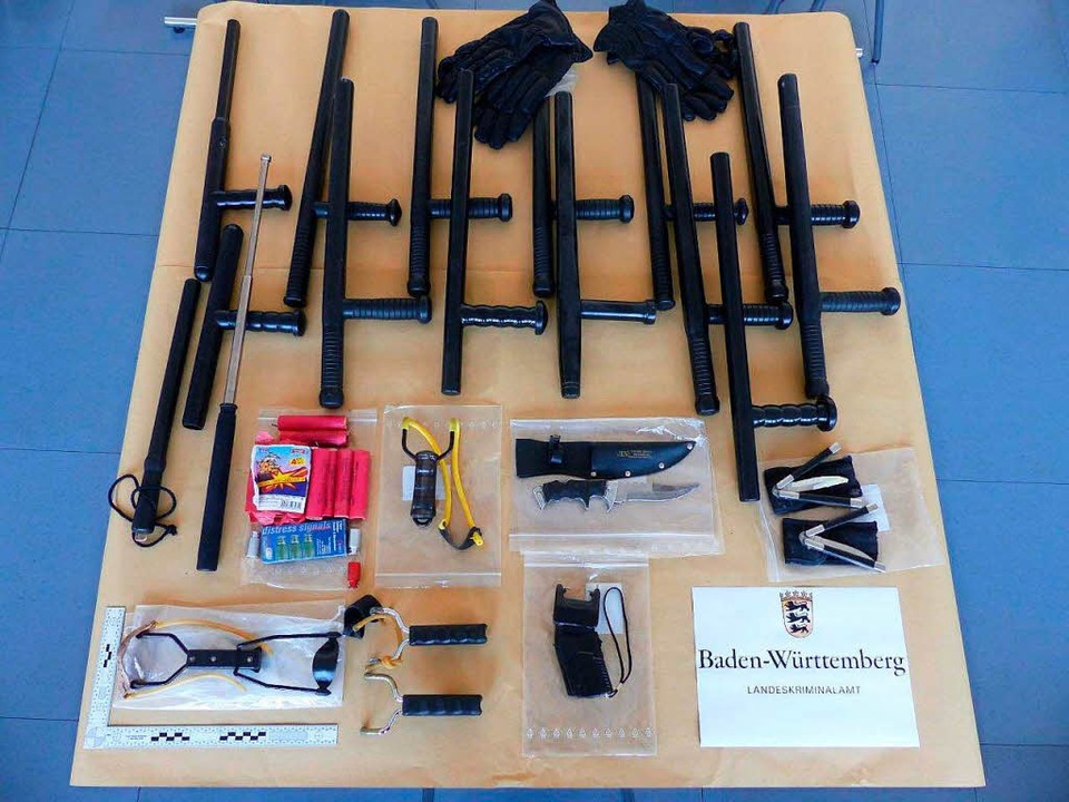 Die Polizei hat diese Gegenstände sichergestellt.  | Foto: dpa