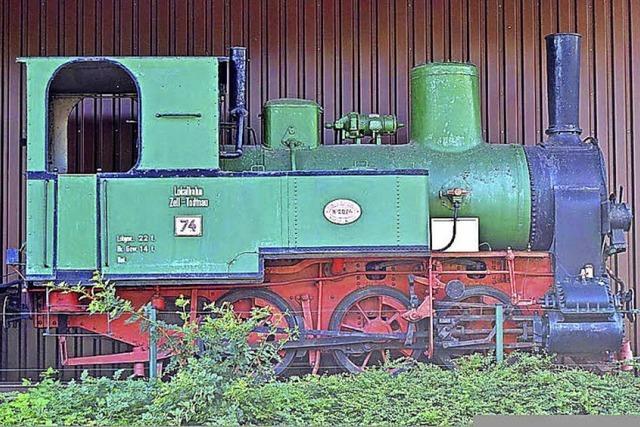 Lokomotive dampft am Genfersee