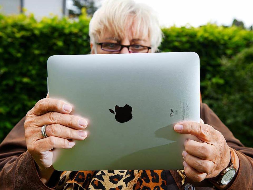 Für viele bedeutet seniorentreff.de die ganze Welt.  | Foto: Verwendung weltweit, usage worldwide