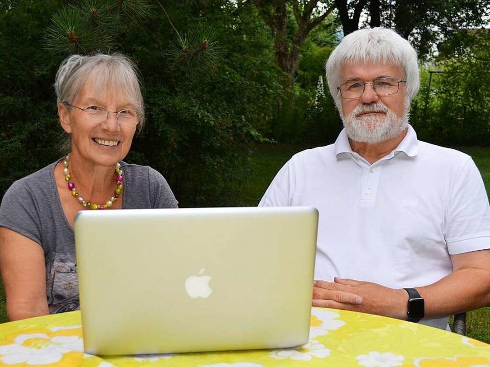 Margit und Karl-Friedrich Fischbach au...niorentreff.de 1998 ins Leben gerufen.  | Foto: Nikola Vogt