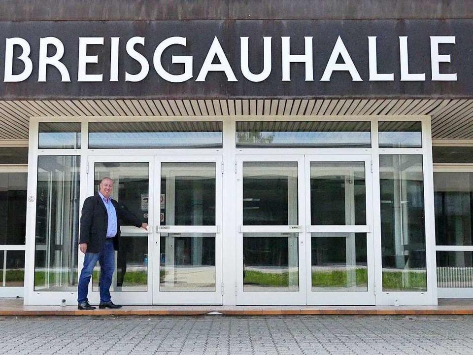 Danach ging es an die Breisgauhalle.  | Foto: Lena Marie Jörger