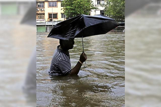 Auch Metropolen in Indien und Pakistan stehen unter Wasser