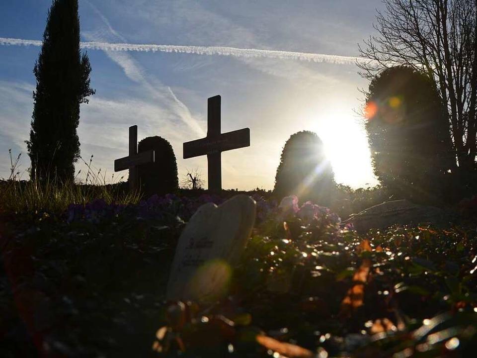 Der Friedhof ist der traditionelle Ort...ebook, wenn sie ihren Bruder vermisst.  | Foto: Kathrin Blum