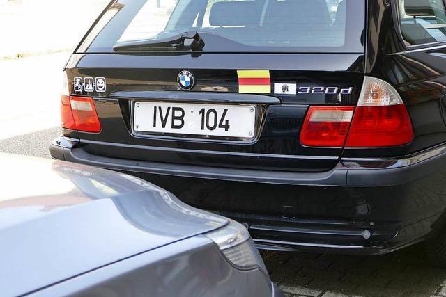 BMW mit Reichsbürger-Kennzeichen räumt das Feld