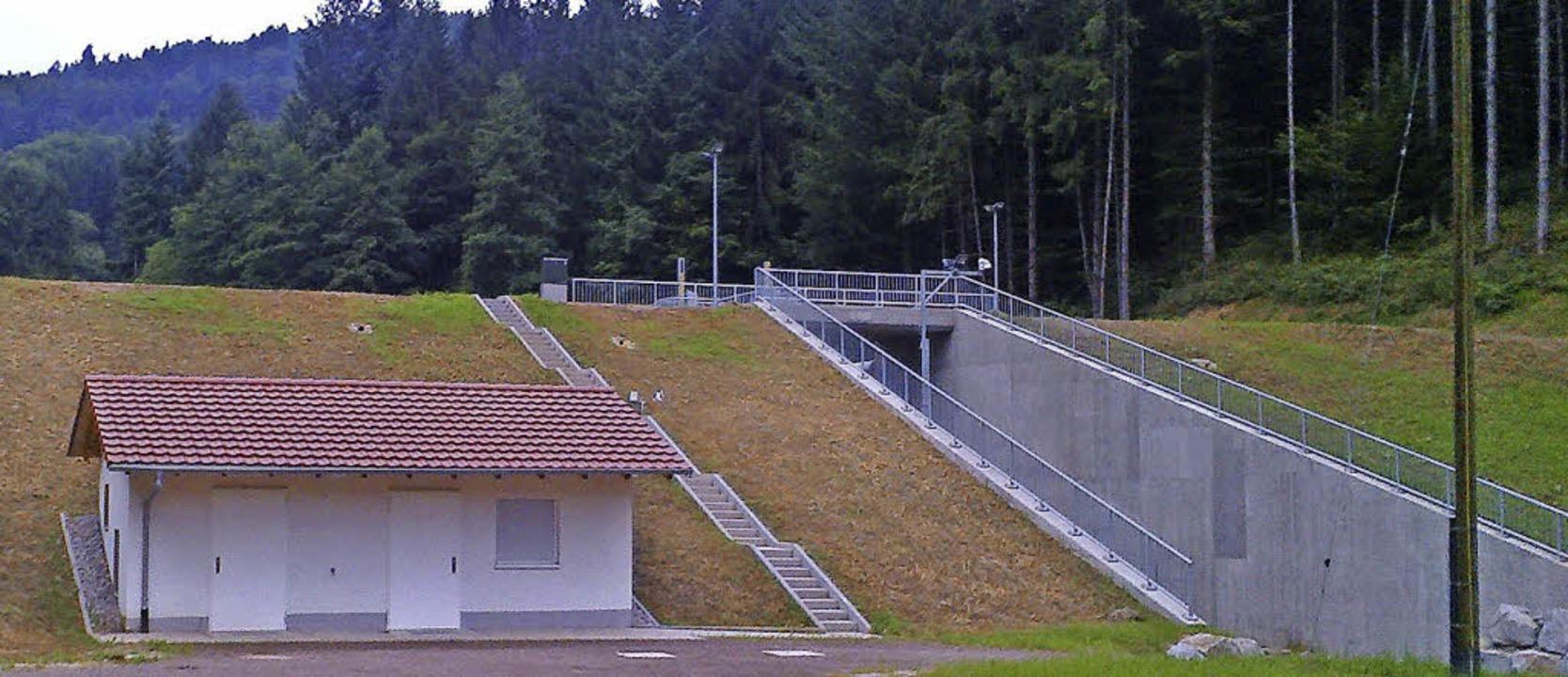 Das neue Hochwasserrückhaltebecken in ... am 8. September offiziell übergeben.     Foto: Privat